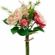 Bouquet di rose artificiali in un mazzo di fiori di seta rosa bouquet